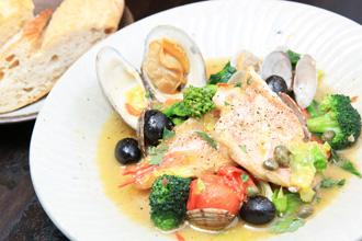 季節野菜と鮮魚のアクアパッツァ