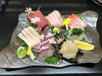 益子焼 作家 横山貴史 寿司割烹 喜多八 寿司皿 刺身皿 割烹器 刺身の盛り合わせ