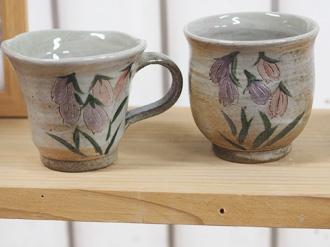 陶芸体験の焼き上がり作品 絵柄 白地にホタルブクロ