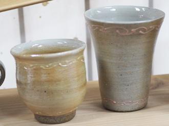 陶芸体験の焼き上がり作品 絵柄 カフェシリーズ白&ピンク