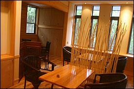 森のレストラン 店内
